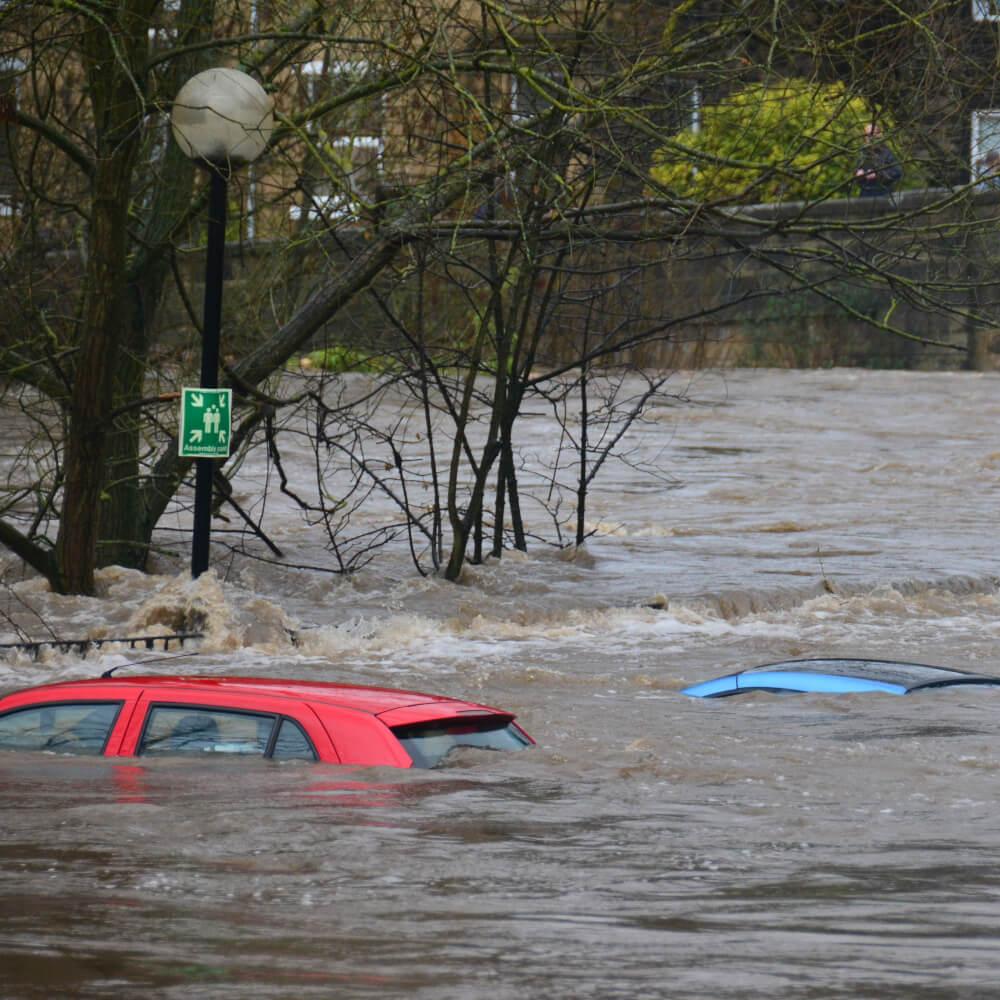 Hochwasserkatastrophe – Hilfen für Auszubildende und Unternehmen