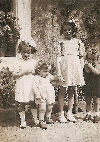 Monique, Thérèse, Jean , Régine