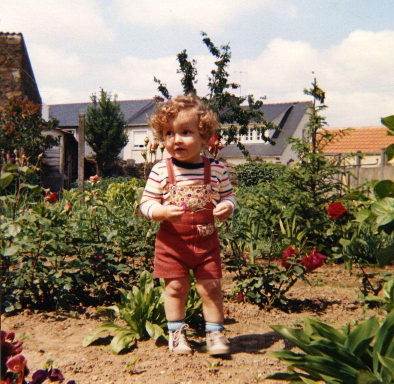 Sébastien au jardin