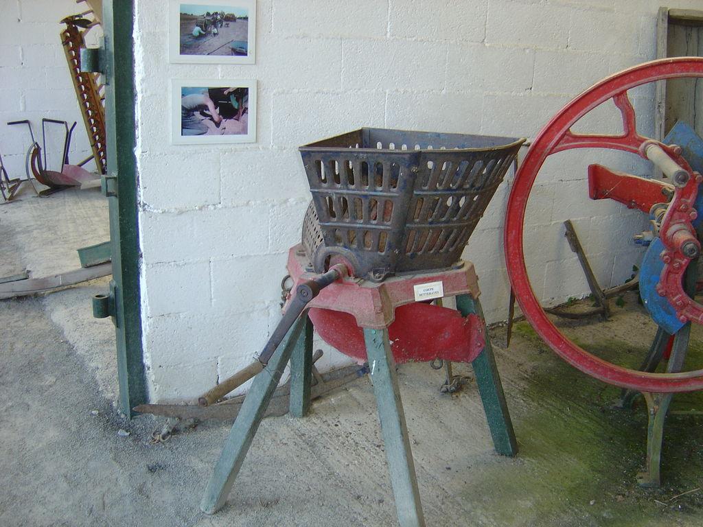 La machine à couper les betteraves, actionnée à la main