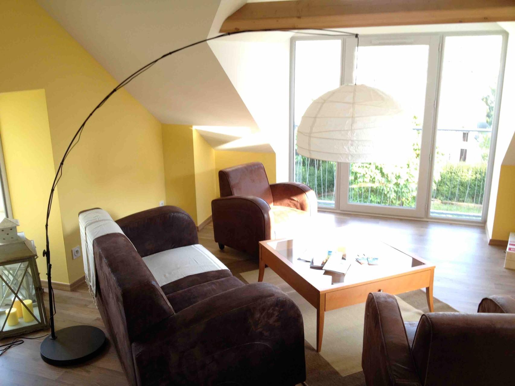 Wohnzimmer mit Blick über Gennes