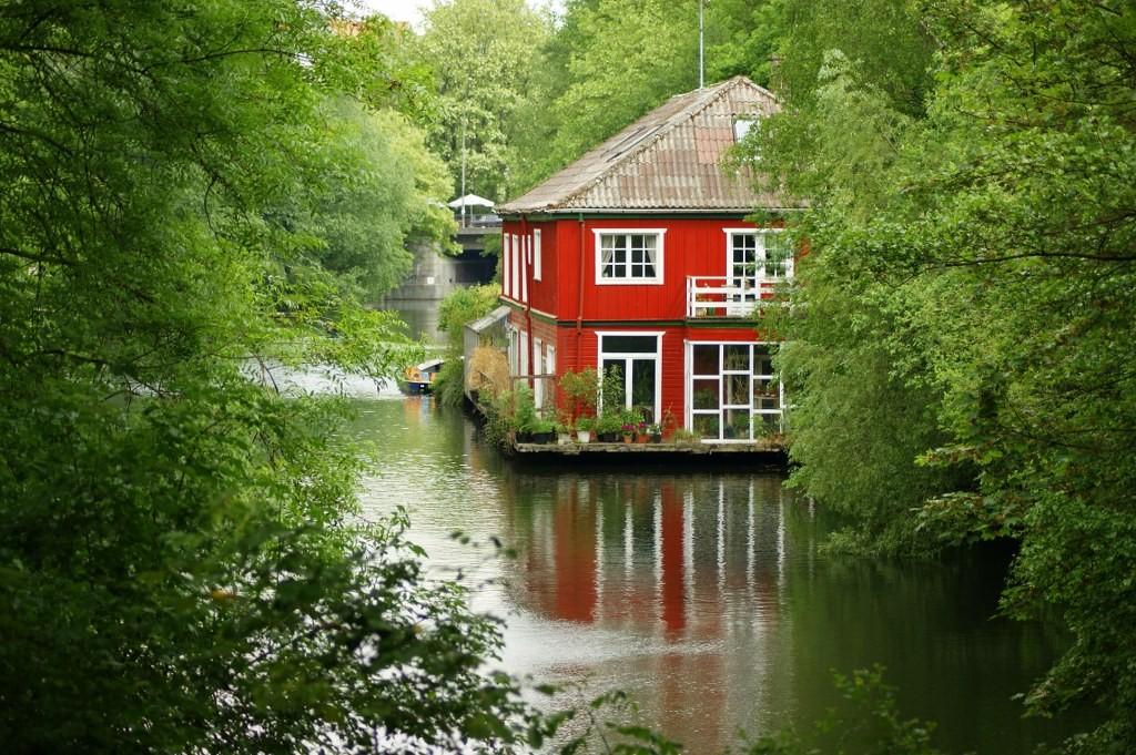 Hausboot Kaiser-friedrich-Ufer