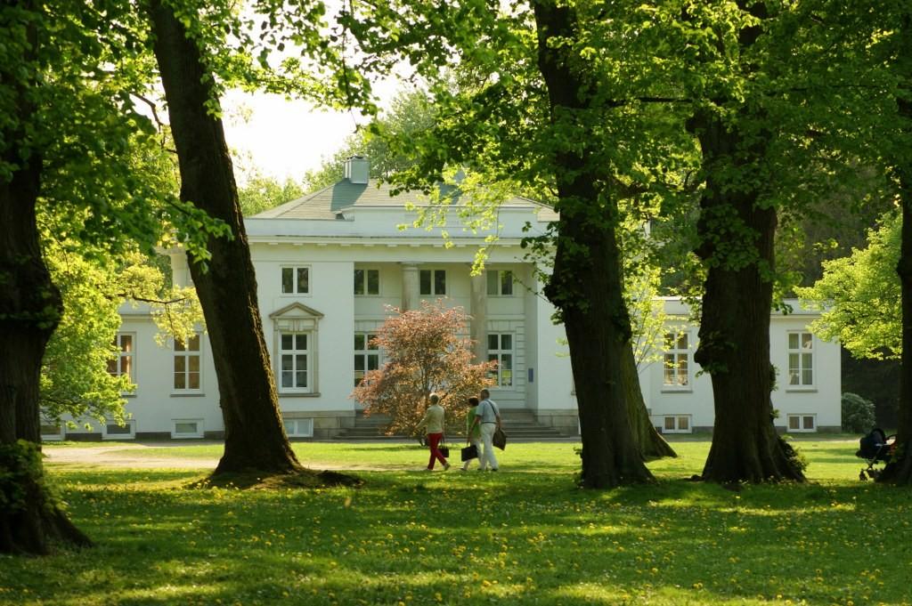 Lola Rogge Schule im Hirschpark