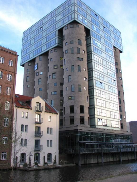 Silo-Bürogebäude Harburger Hafen