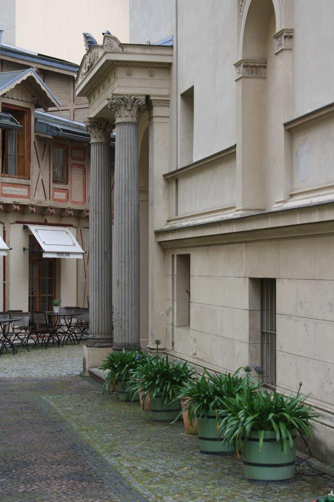 Seiteneingang des Palais am Stadthaus