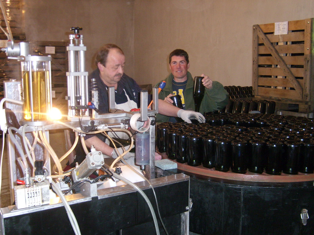 bouteilles dans un bac à glace pour expulser le dépôts