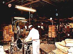 吉賀木履工場 作業風景