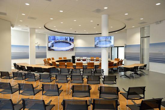 In de raadszaal vergaderen is beter voor de plaatselijke democratie