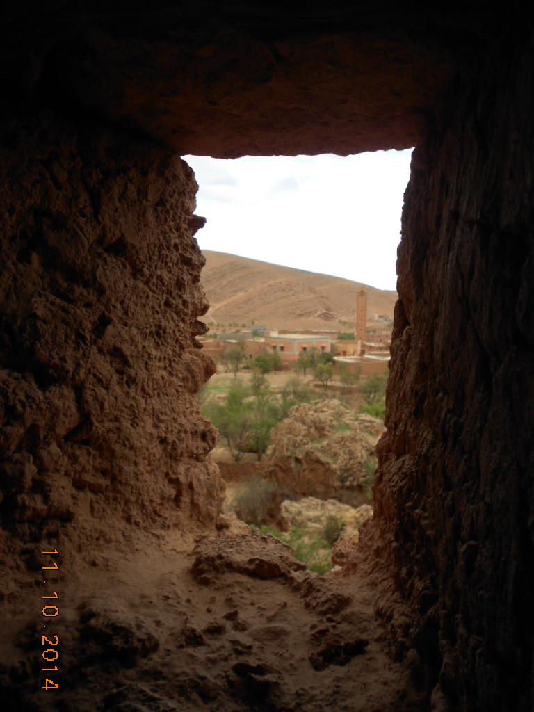 A Ifri nous décourons un Agadir troglodyte ( Grenier et coffre)