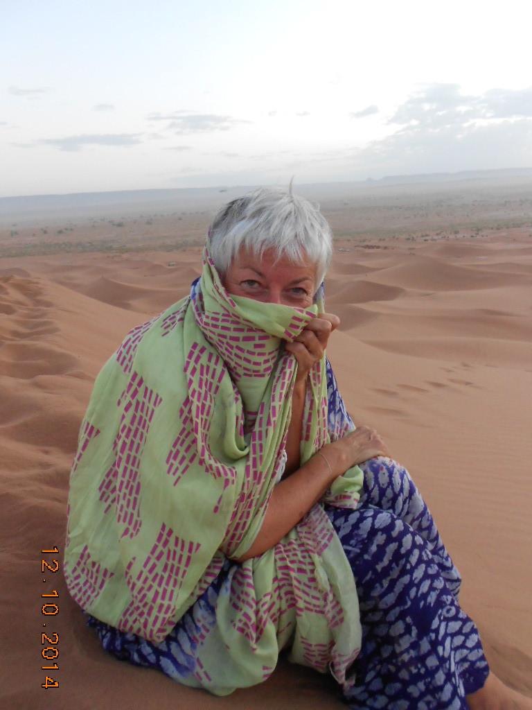 Sylvie , au petit jour sur la grande dune