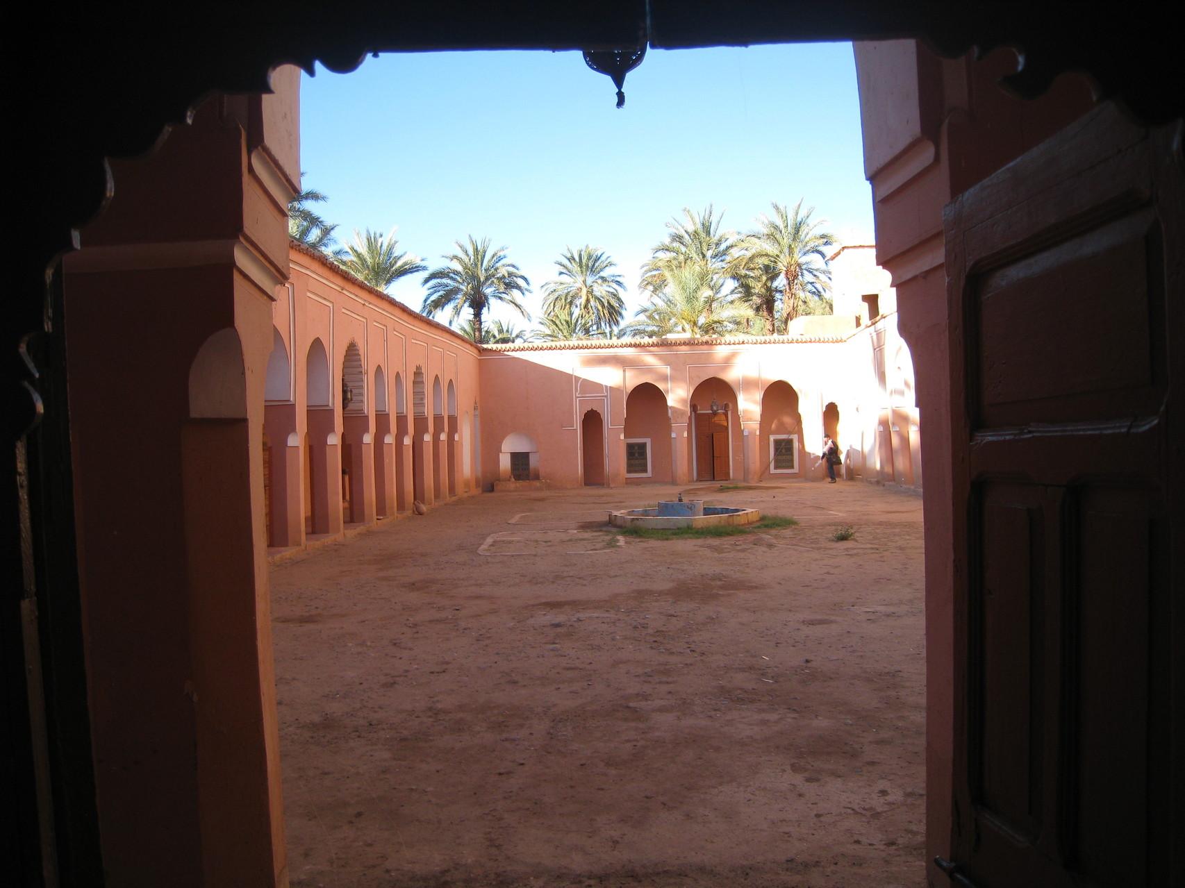 Logés dans les chambres modestes du Riad