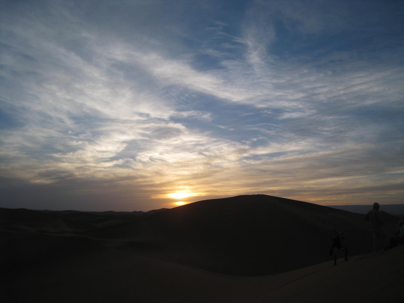 vivre le lever et coucher du soleil du sommet des dunes