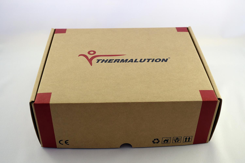 ヒートベスト、バッテリー、充電器、説明書、保証書、リモコン一式が梱包された状態でお届けいたします。