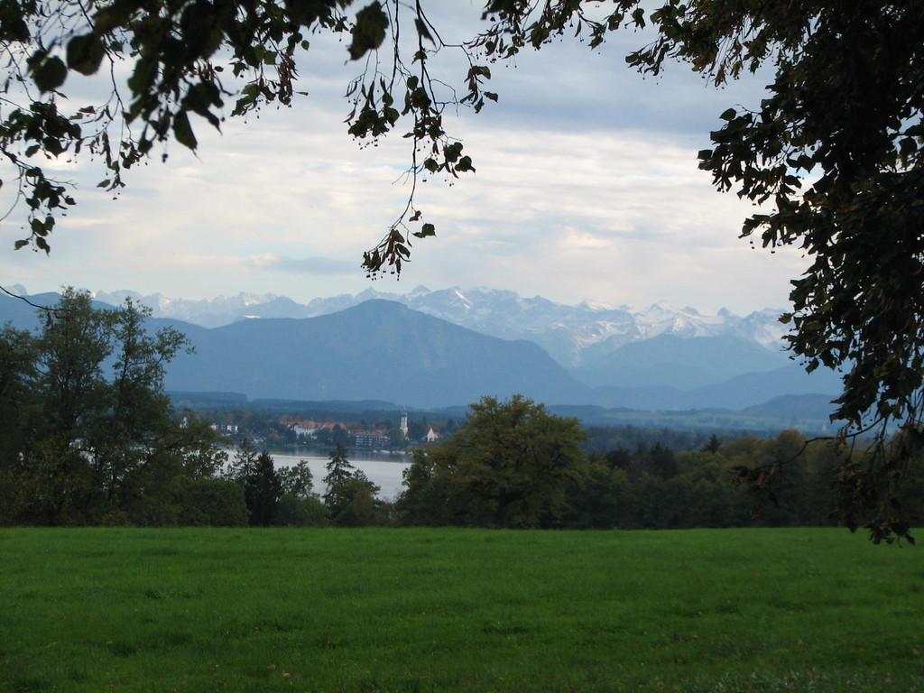Blick nach Seeshaupt, Starnberger See/View of Seeshaupt, Starnberg Lake