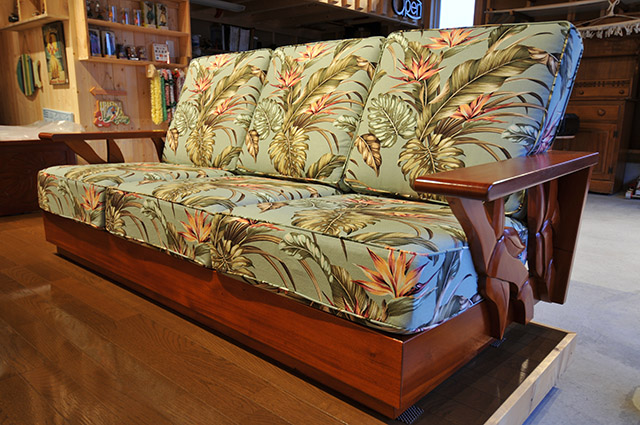 Mahogany side carving sofa three-seat