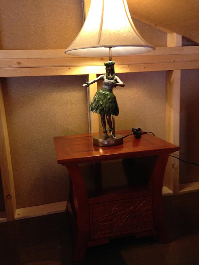 Hawaiian Carving Lamp Table