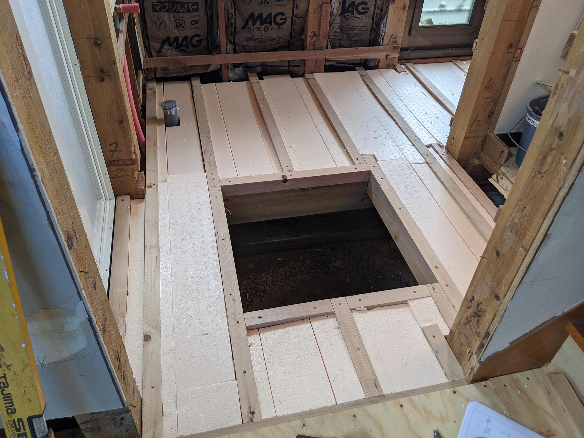 洗面室床下収納