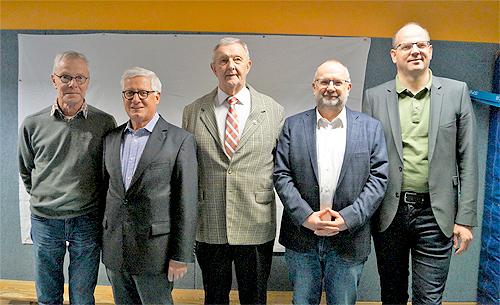 von links: Schriftführer Hans Ramberg, Ehrenvorsitzender Manfred Ballensiefen, Schatzmeister Klemens Segbert, stellvertretender Vorsitzender Markus Wang, Vorsitzender Thomas Reher