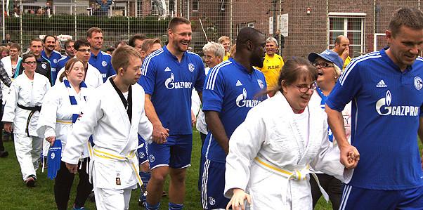 Behindertenhilfe Dülmen: Benefizfußballspiels DJK Dülmen e.V. gegen Schalker Traditionself