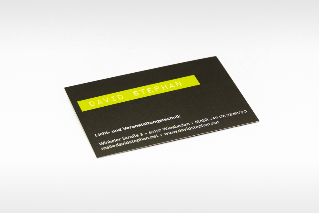 Visitenkarte mit partiellem Lack