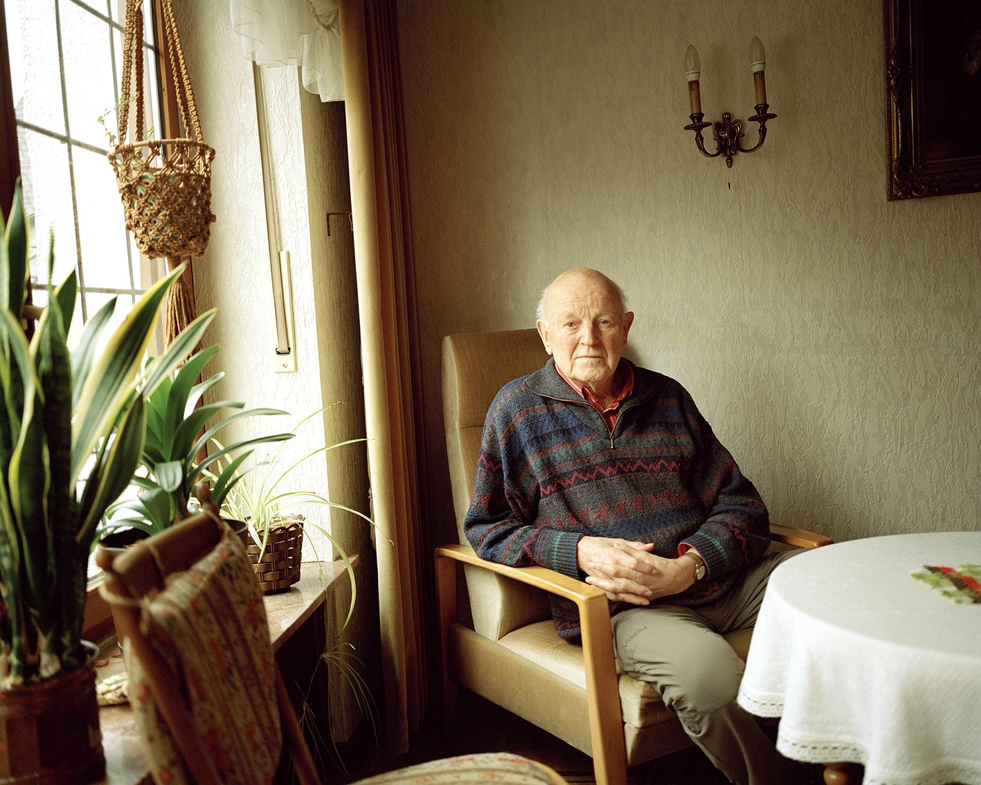 """Portrait Erwin Lange (Schützenkönig 1958), aus der Serie """"Bruchhausen"""""""