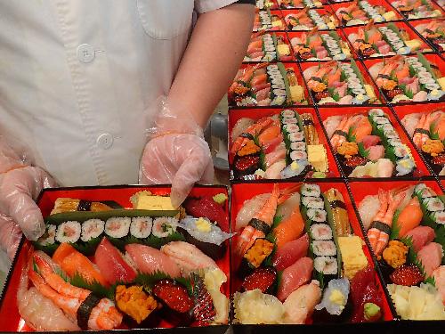 新宿区 正月営業 宅配寿司