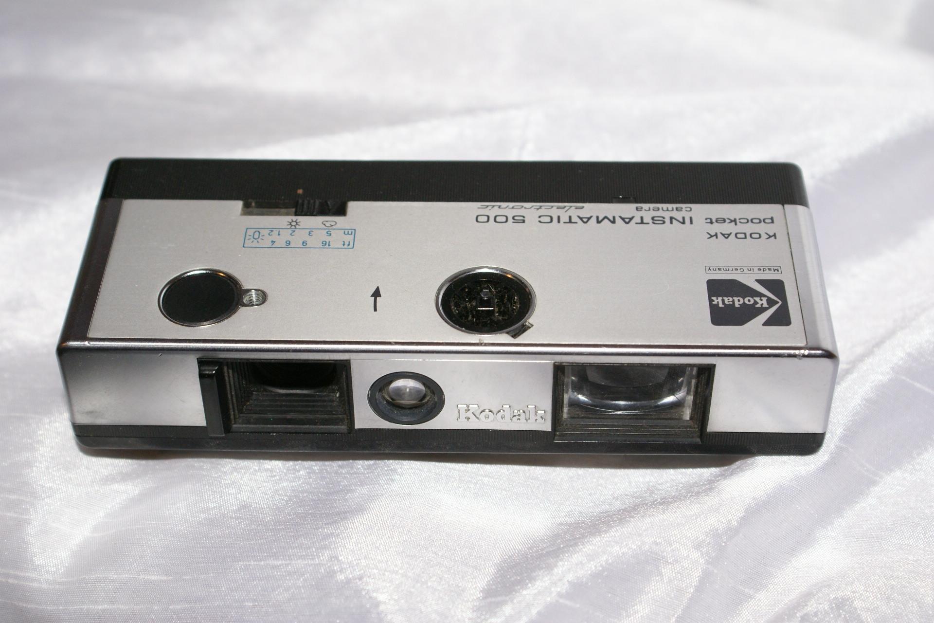 Le haut de gamme de KODAK en format 110 / l'INSTAMATIC 500