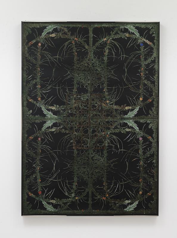 「エコーの森」2017年 B1サイズ(103X73X3cm)、切り紙細工に彩色。木製パネル、紙、ガラス