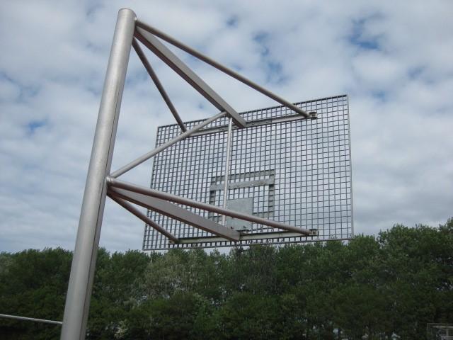 Basketballkorb aus Metall