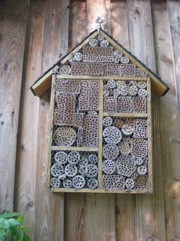 Diverse  Bienenhotels