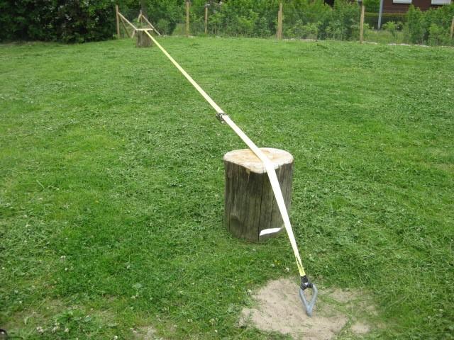 Slackline mit Holzstützen