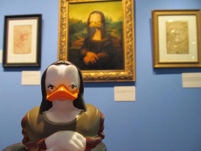 Mona Lisa - DIE SCHÖNSTE ENTE DER WELT! Gibt es nun auch als Badeente. Ihr geheimnisvolles Lächeln ist entwaffnend. Dies wusste bereits schon Leonardo da Vinci.