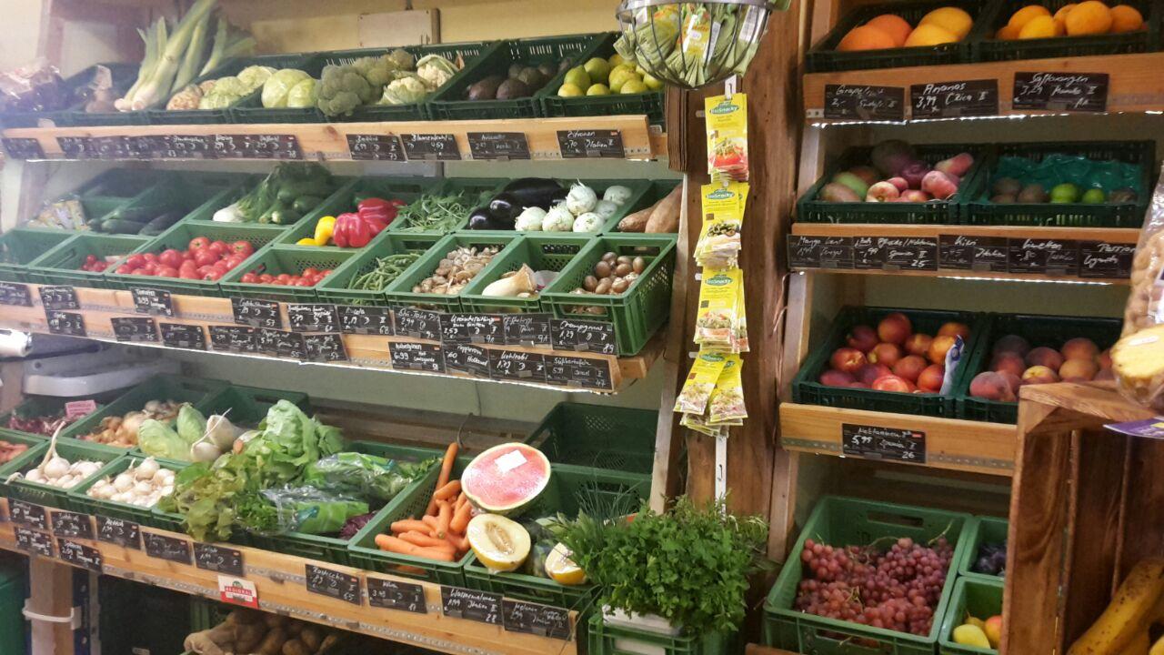 täglich frisches Obst- und Gemüsesortiment - Verbandsware (Demeter, Bioland, ...)