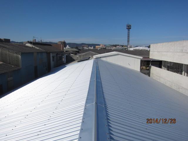倉庫:遮熱カバー工法(屋根)施工