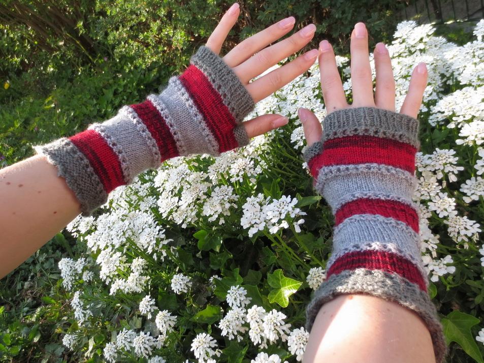 Ringelreihen fingerlose Handschuhe, Design: Christels Masche
