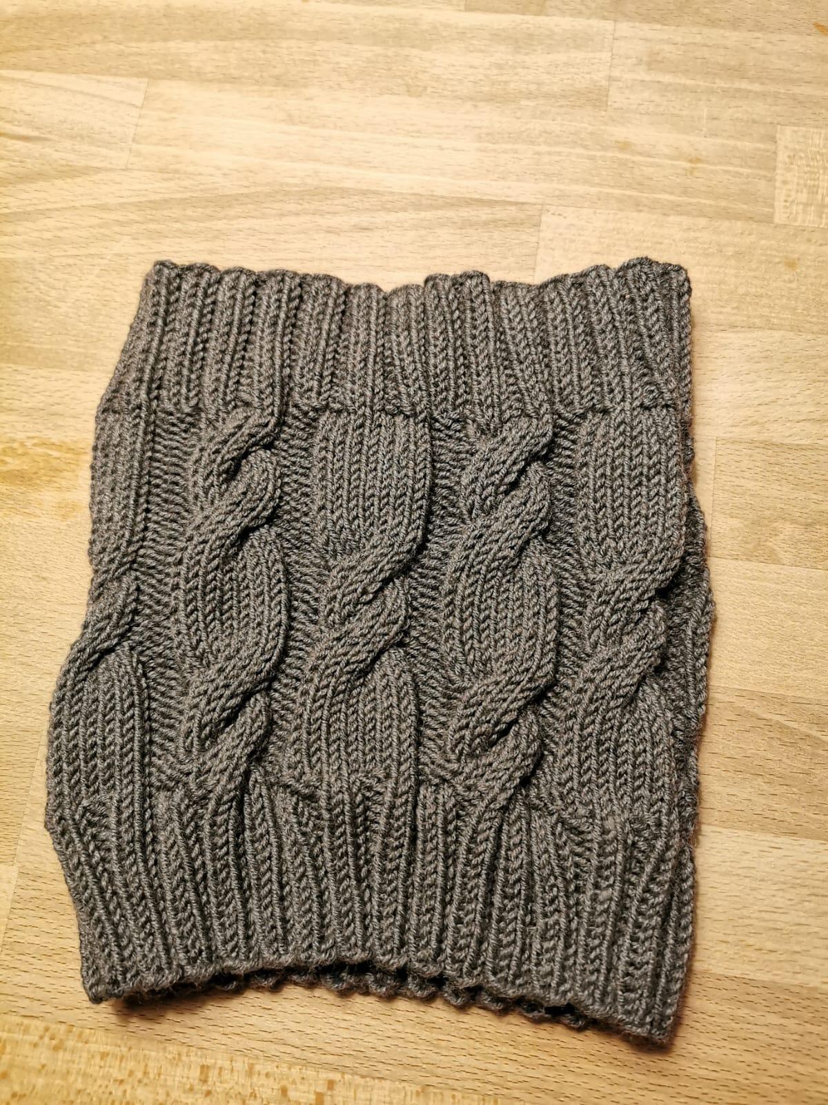 Nodin Cowl, 6-fach Sockenwolle