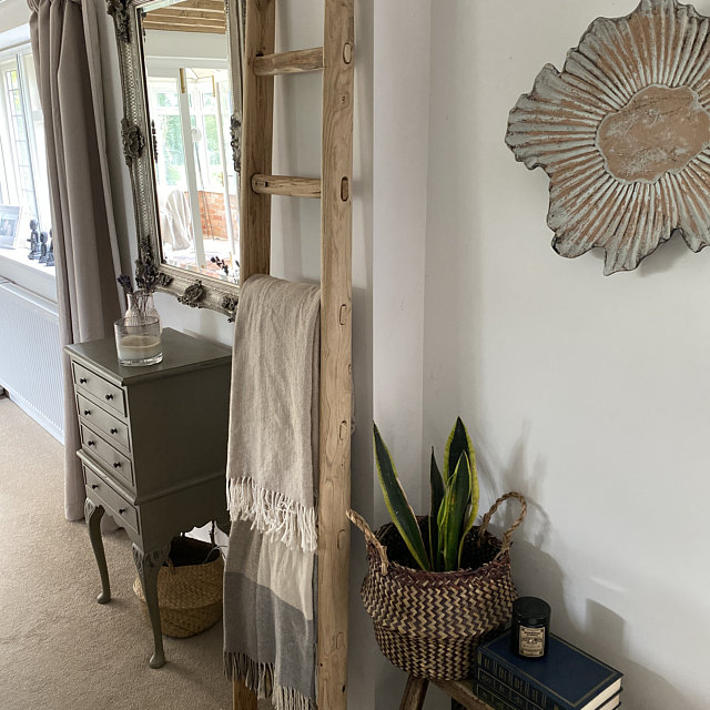 Questa scala è un bellissimo particolare nel mio salotto! La qualità è eccellente 👏👏 - Joanna