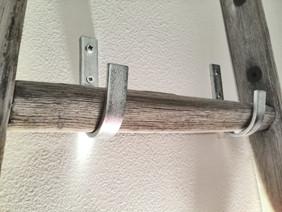 Kit di staffe per appendere una scala a pioli al muro o al soppalco -  hooks for wall ladder