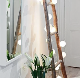 scaletta a pioli con kit di palline luminose - wood ladder with lights for home decor