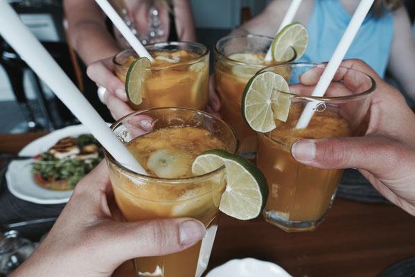 Mädchenvöllerei Pi mal Butter Saarland Food Blog Rezept saarland  Mango Gin Bowle Cocktail