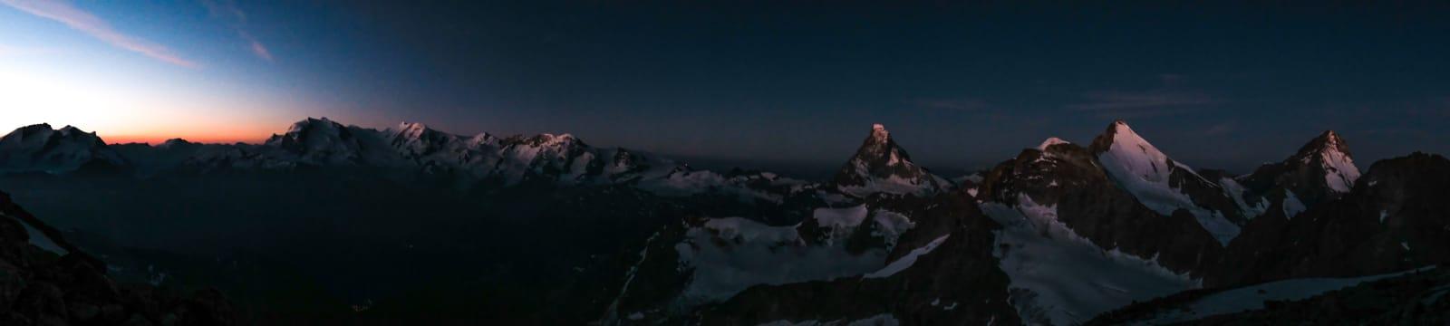 Zinalrothorn, Rothorngrat, Frühstücksplatz, Normalweg, Panorama, Matterhorn, Dent d'Hérens, Dent Blanche, Ober Gabelhorn