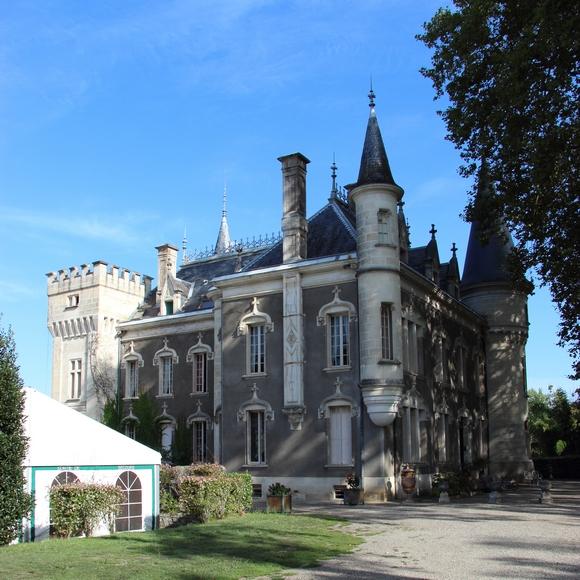Castillo Bella Epoca , habitaciones de huespedes y albergues rurales en Linxe 40 Landas