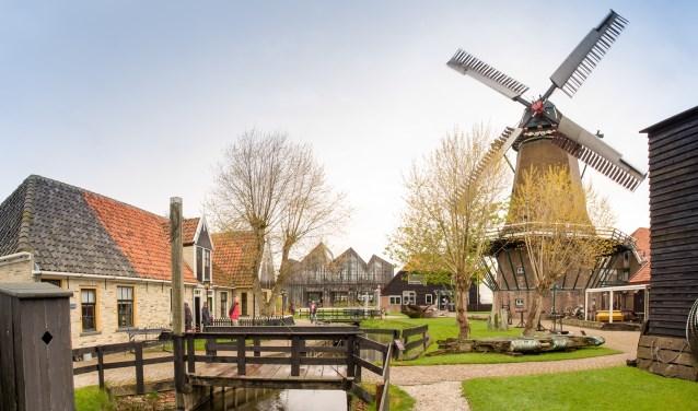 """<img src=""""image.png"""" alt=""""Oude korenmolen """"De Traanroeier"""" van museum Kaap Skil te Oudeschild, Texel"""">"""