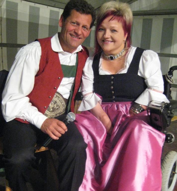 Franzl Posch und die Organisatorin Marianne Hengl