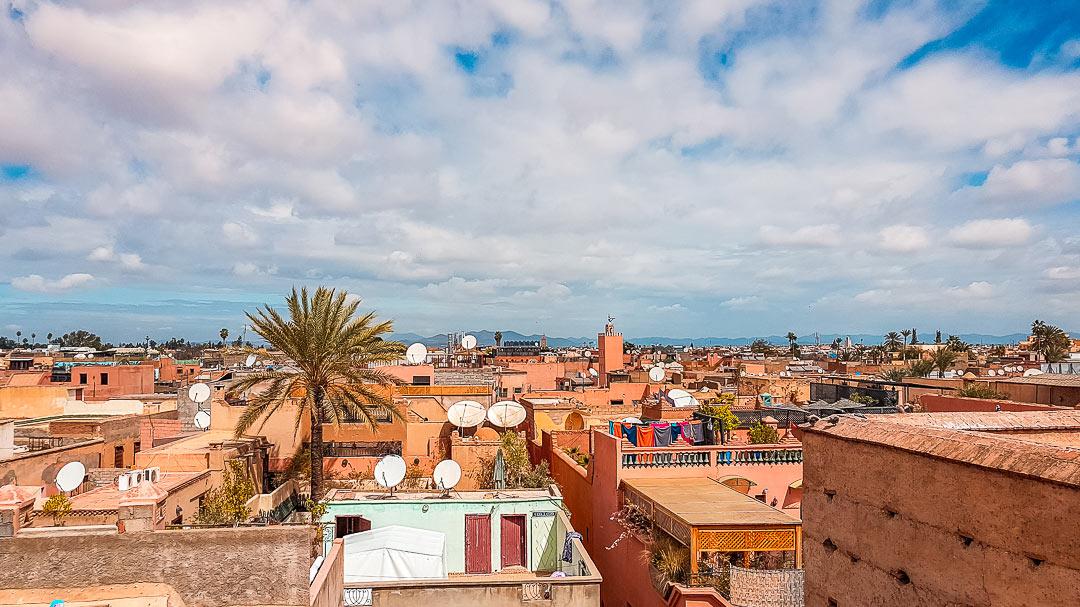 Ausblick über den Dächern von Marrakesch