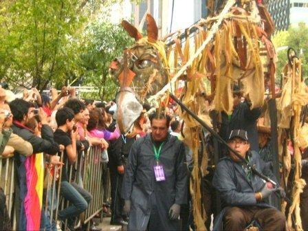 Títeres Garabatosos en el Desfile Bicentenario 2010 13