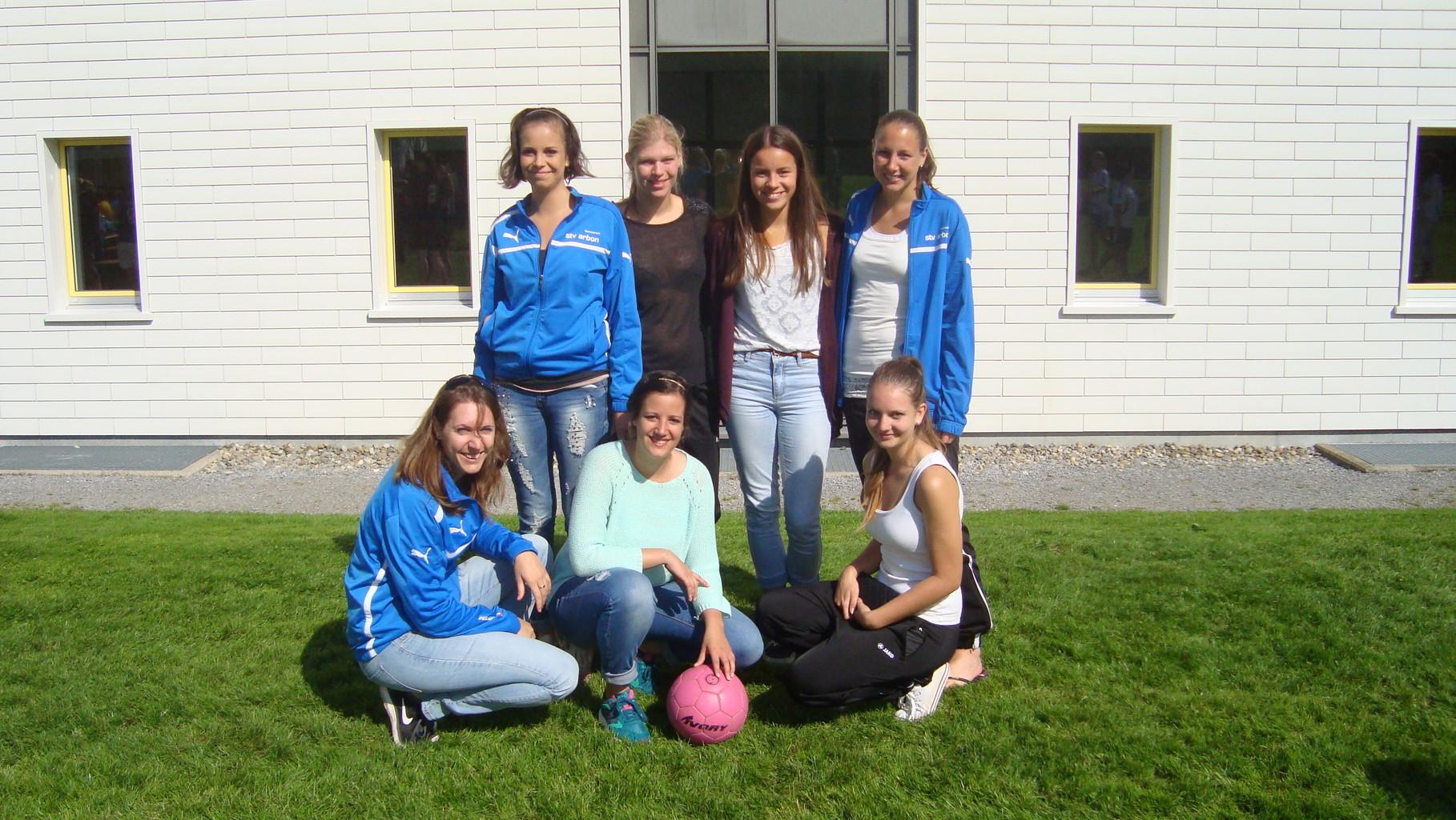 Team Arbon 2 mit neuen jungen Spielerinnen erreichte den 10. Rang. (es fehlen auf dem Foto: Corin, Claudia, Sarah und Vanessa M.) Weitere 3 Teams hatten gleich viele Punkte! Gratulation zum guten Abschluss.