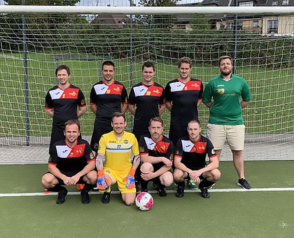"""Unsere Ü32-Kleinfeldmannschaft """"Soccerlicious"""" bei ihrem allerersten Spiel am 07.09.2019 in Essen-Huttrop (Foto: Rambow)"""
