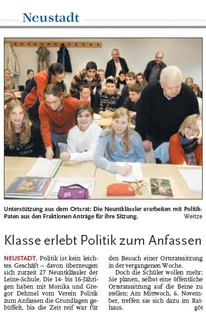 Namen richtig geschrieben und Schüler und Politiker im Mittelpunkt. Toll: Unser erste Zeitungsartikel.