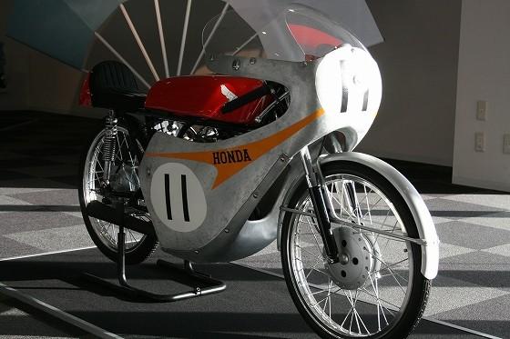 1962年ホンダRC112第1回鈴鹿ロードレース優勝